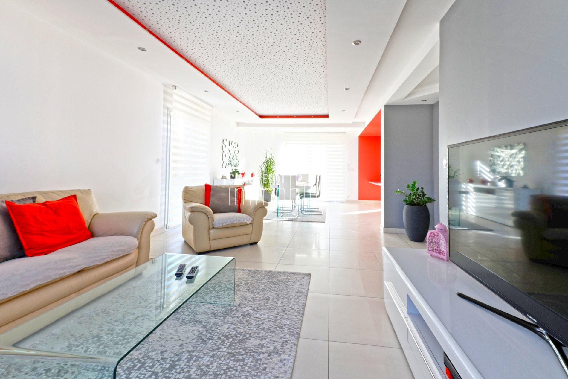 d tails de la maison vendre am1031j exclusivit immobili re. Black Bedroom Furniture Sets. Home Design Ideas